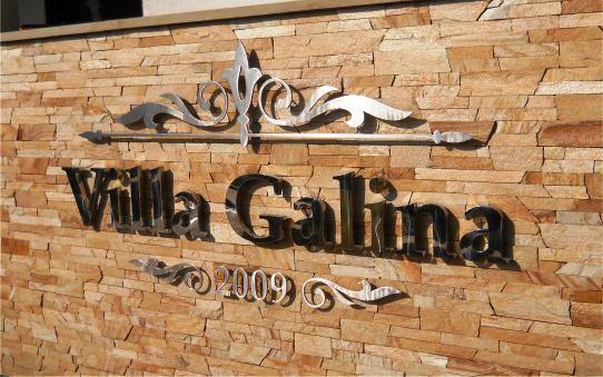 Об'ємні букви з металу, латуні, міді VillaGalina. Объемные буквы из металла, латуни, меди