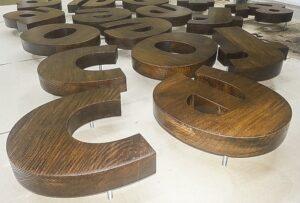Объемные буквы из дерева obemnye-bukvy