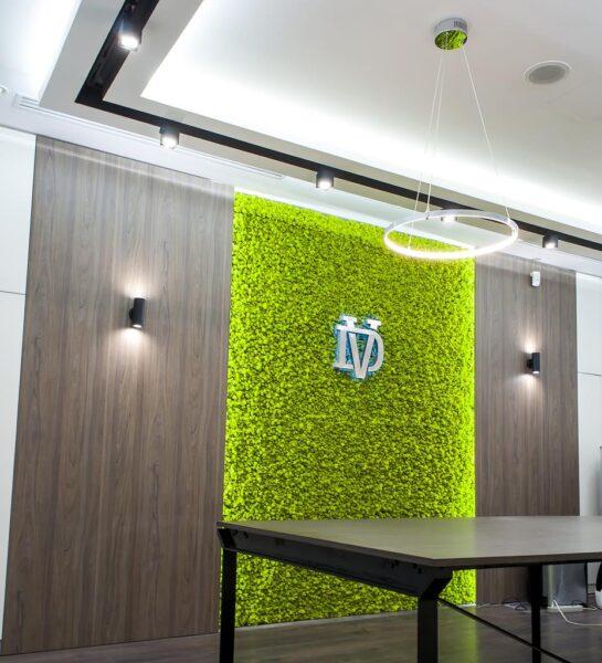design of the reception 1 545x600 - Объемные буквы для интерьерной рекламы