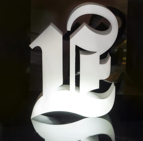 dimensional letters lightbox 600x593 - Constructor for volumetric letters